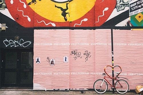 Un graffiti con espermatozoides