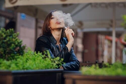 mujer tabaco tóxico embarazo